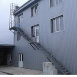 Пожарная стальная лестница с площадкой, Волгоград